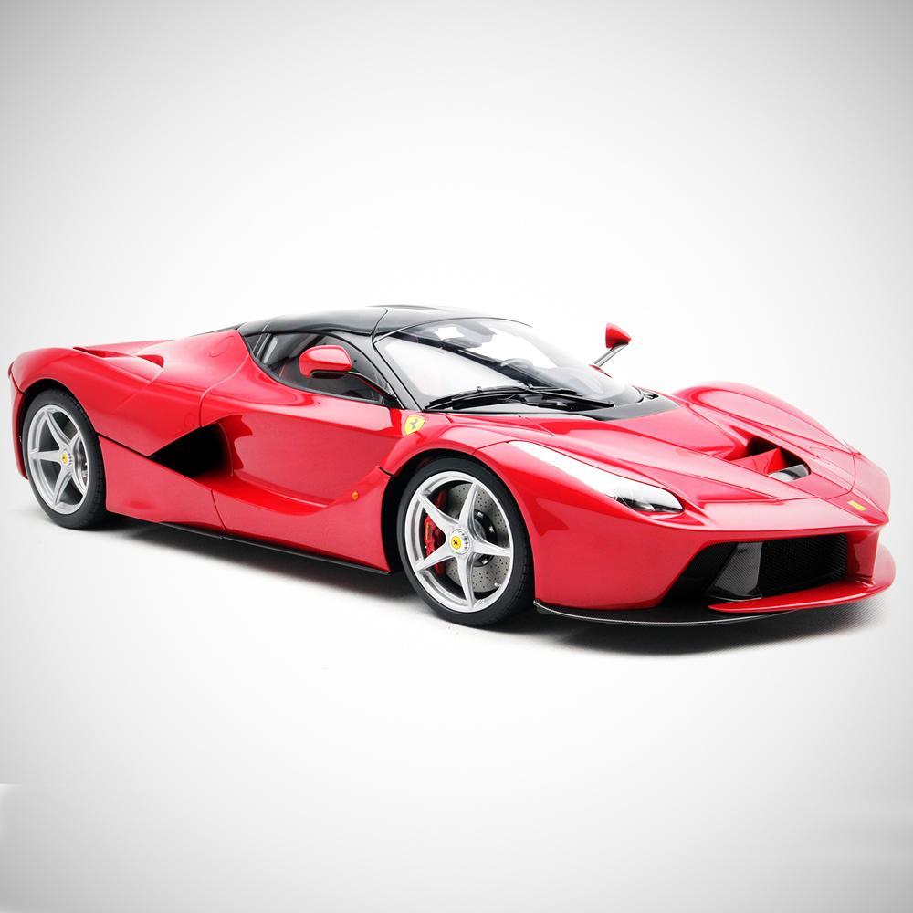 Laferrari: 1:8 Scale Model Car