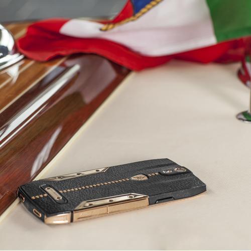 88 Tauri Smartphone   Black Leather   Gold