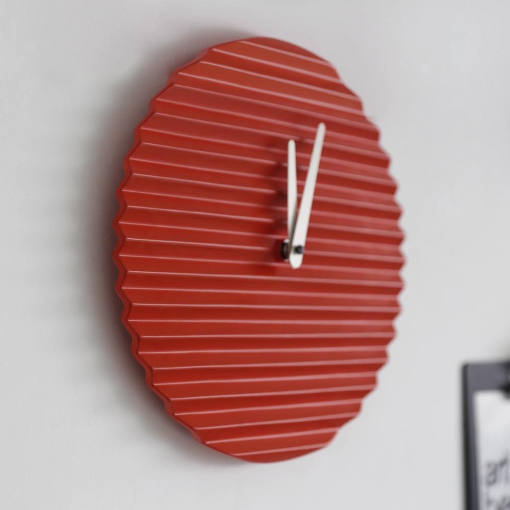 WaveCLOCK | Red | Sabrina Fossi