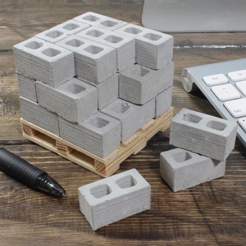 1:12 Cinder Blocks: 24 Pack + Pallet   Mini Materials